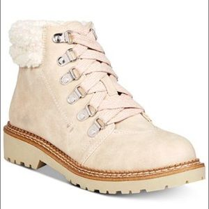 Woman's boots Dirty Laundry Castilla Cream